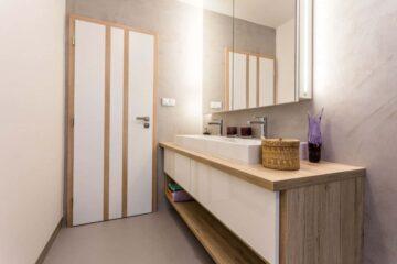výroba koupelnového nábytku na míru